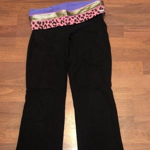 Victoria's Secret Boot Cut Legging - M